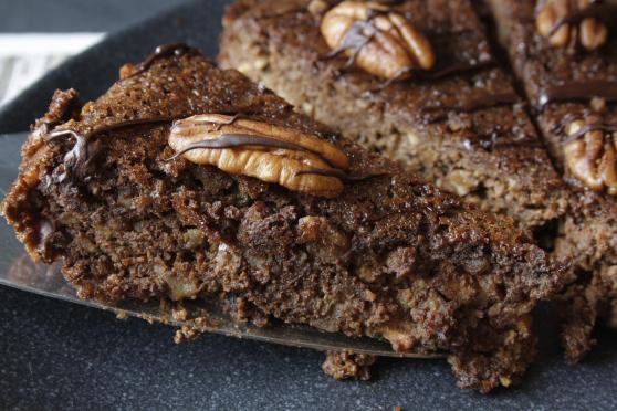 Da hat Juli von Naschen mit der Erdbeerqueen den saftigsten Schokoladenkuchen gebacken und widmet ihn direkt uns! Danke dir. :)