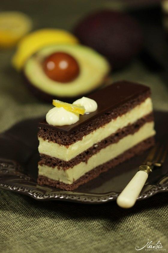 Nicht nur schön anzusehen, sondern sicherlich auch super lecker sind diese Schokoladenschnitten mit einer Zitronen-Avocado Creme von MaLu's Köstlichkeiten.