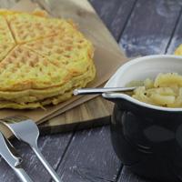 artoffelpufferwaffeln-mit-Apfelkompott-münchnerküche-ineskarlin