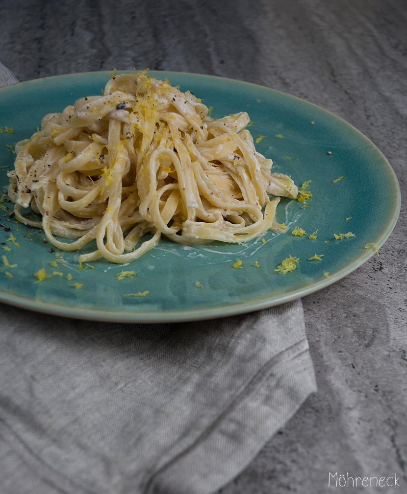 Tagliatelle-mit-Zitronen-Sahne-Sauce