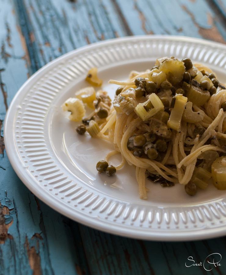 Pasta mit Erbsen & Sellerie