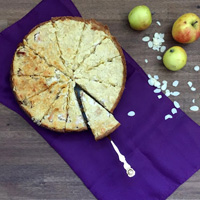 Apfelkuchen-mit-Marzipan-Mandel-Haube-LanisLeckerEcke-HenrietteEgler