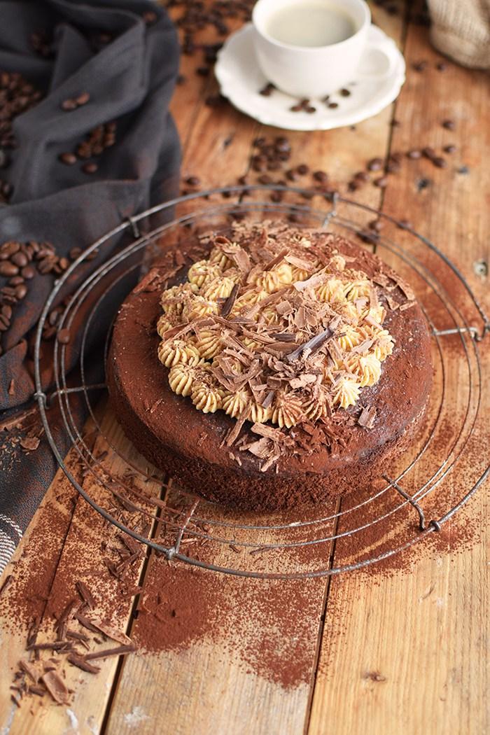 Auch Das Knusperstübchen ist diesmal wieder mit dabei. Bei ihr gibt es diesen tollen Espresso-Schokoladenkuchen.
