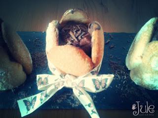 Charlotten sind immer gern gesehen und im Mini Format auch ganz schnell aufgegessen. Da kann man direkt noch ein zweites Schoko Charlöttchen von Jule macht mal... vernaschen.