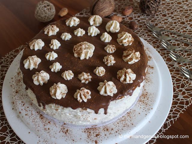 Von Mein Land und Gartengenuss kommt eine Torte ganz nach meinem Geschmack: Zwetschgentorte mit Zimtbiskuit und Curd-Sahne.