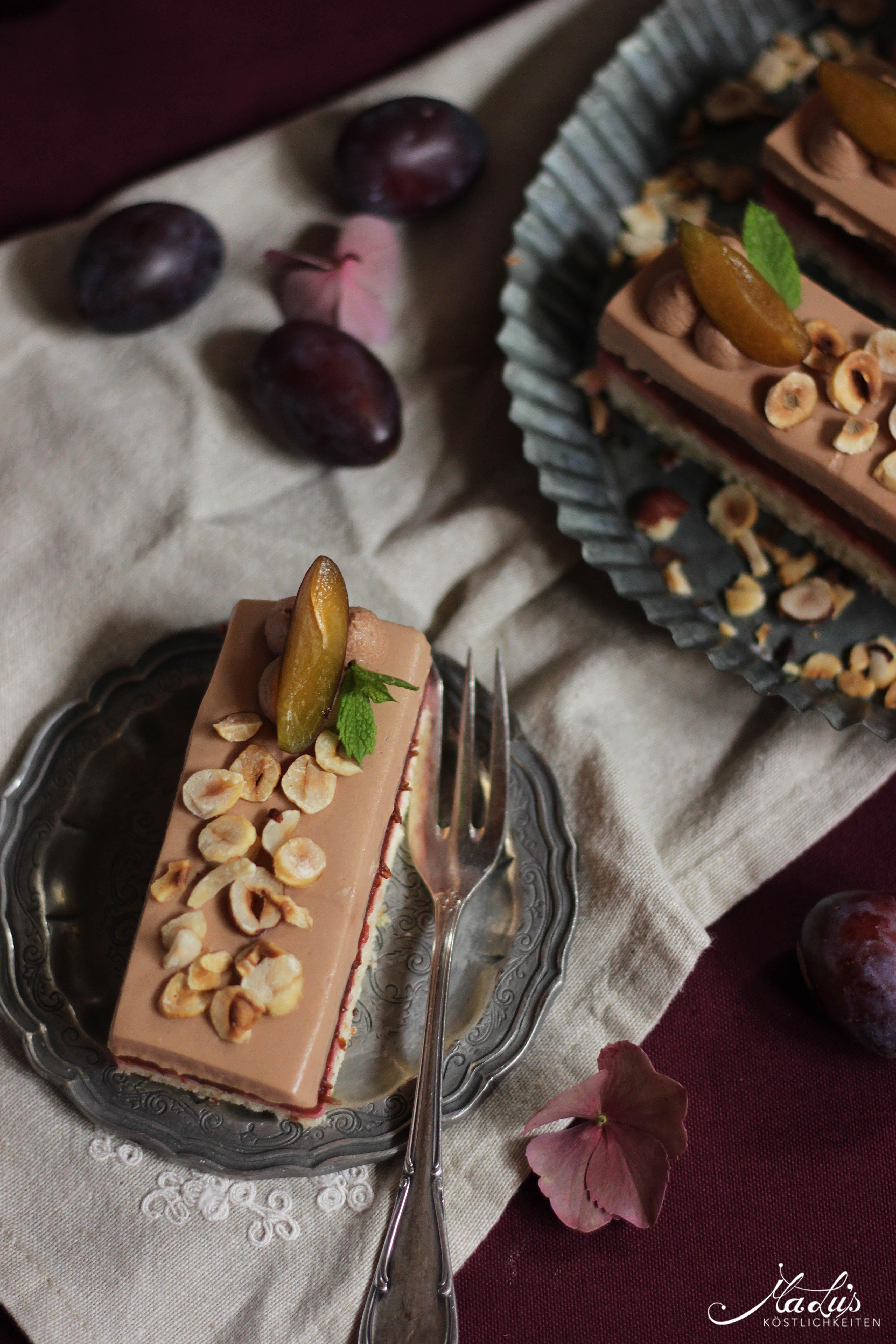 Diese wunderschönen Pflaumenschnitten kommen von meiner Mitstreiterin MaLu's Köstlichkeiten. Sie sind eine wahre AUgenweide!