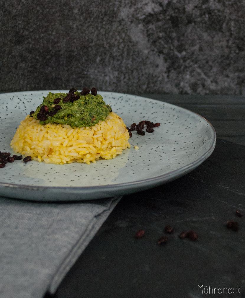 Rucola-Berberitzen-Pesto-an-Safranreis