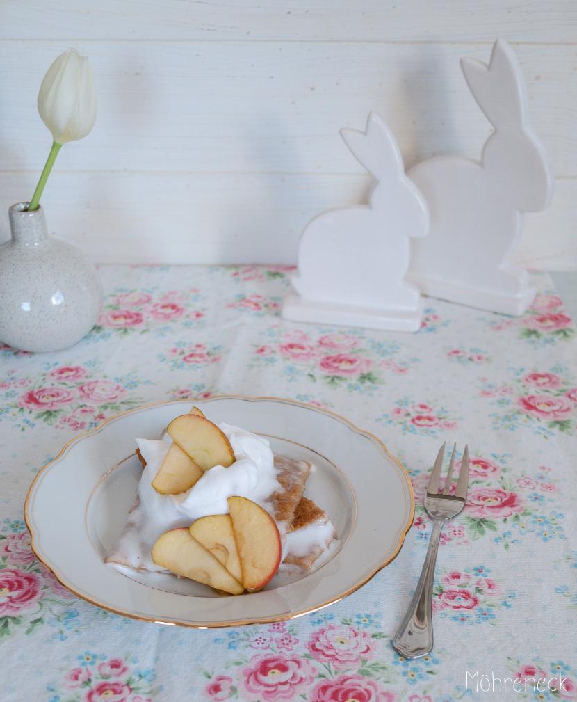Blechpfannkuchen mit karamellisierten Äpfeln