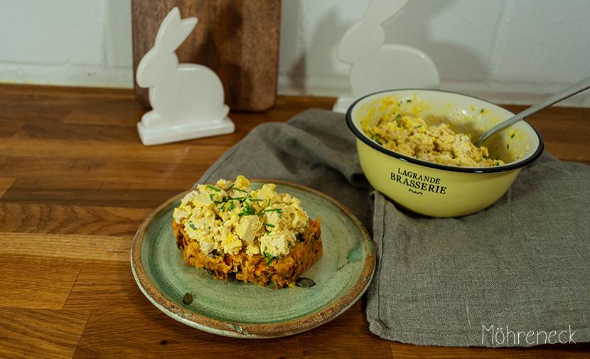 Möhren-Kürbiskern-Brot mit veganem Eiersalat