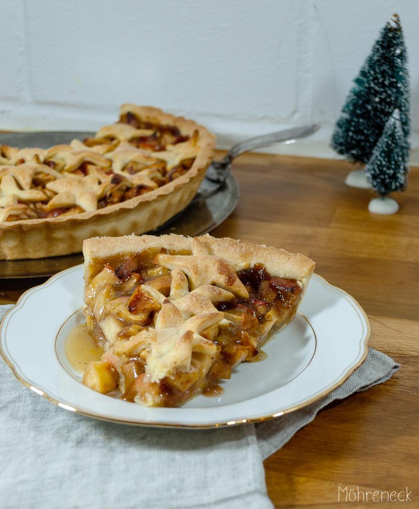 weihnachtliche Apple Pie mit salzigem Karamell