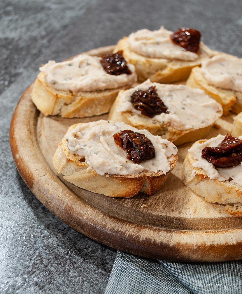 Crostini mit Bohnencreme