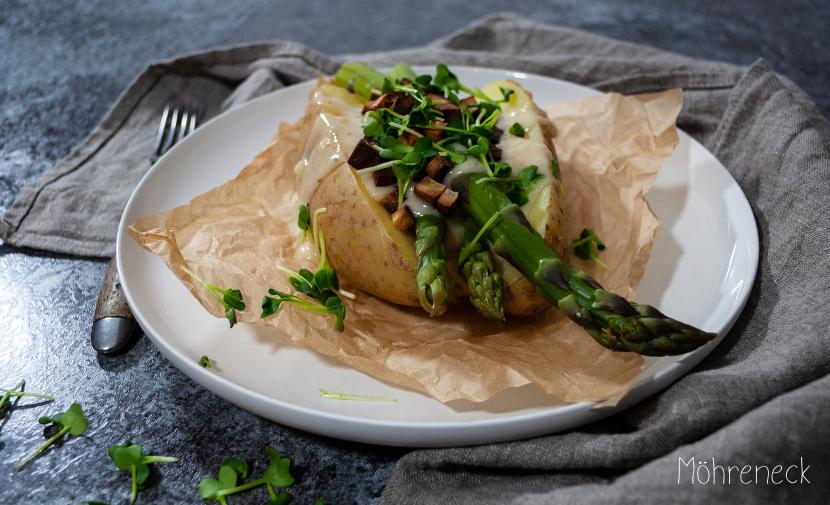 Ofenkartoffel mit grünem Spargel