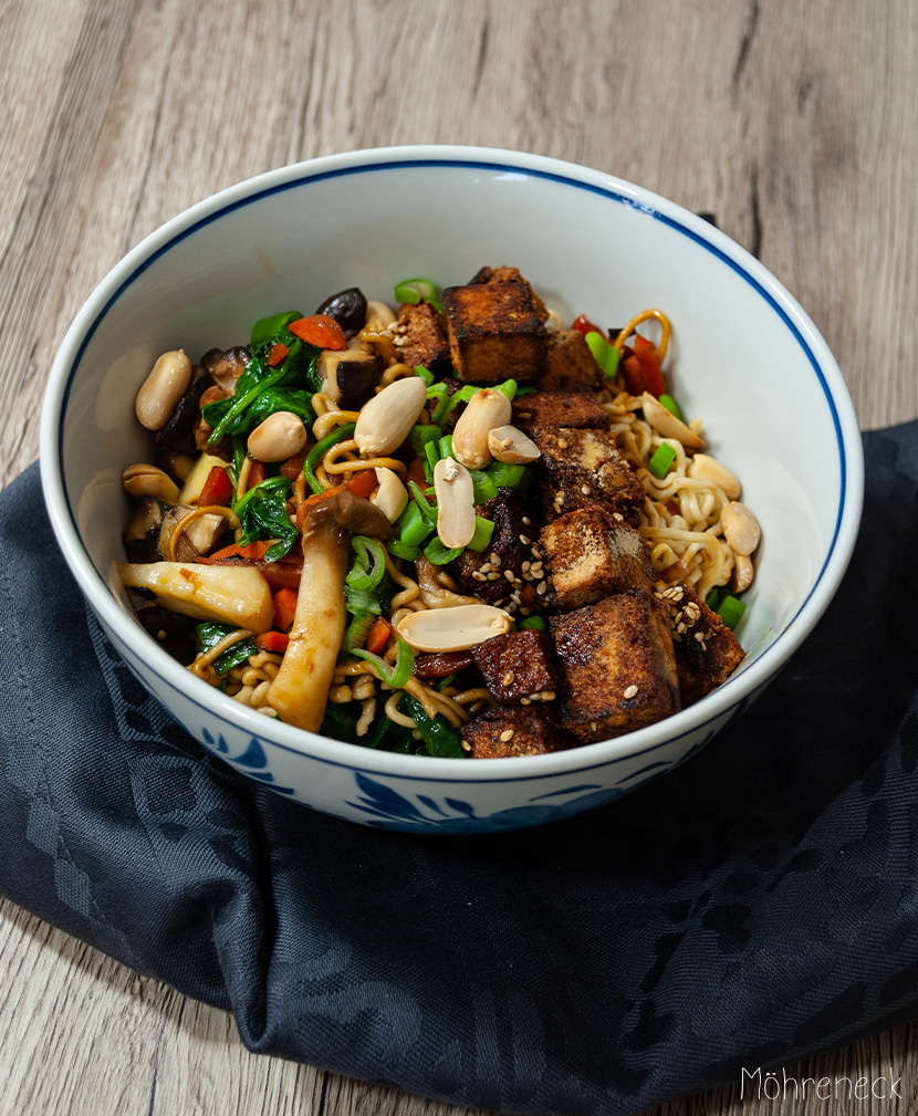 Asia-Bowl mit Fried Tofu