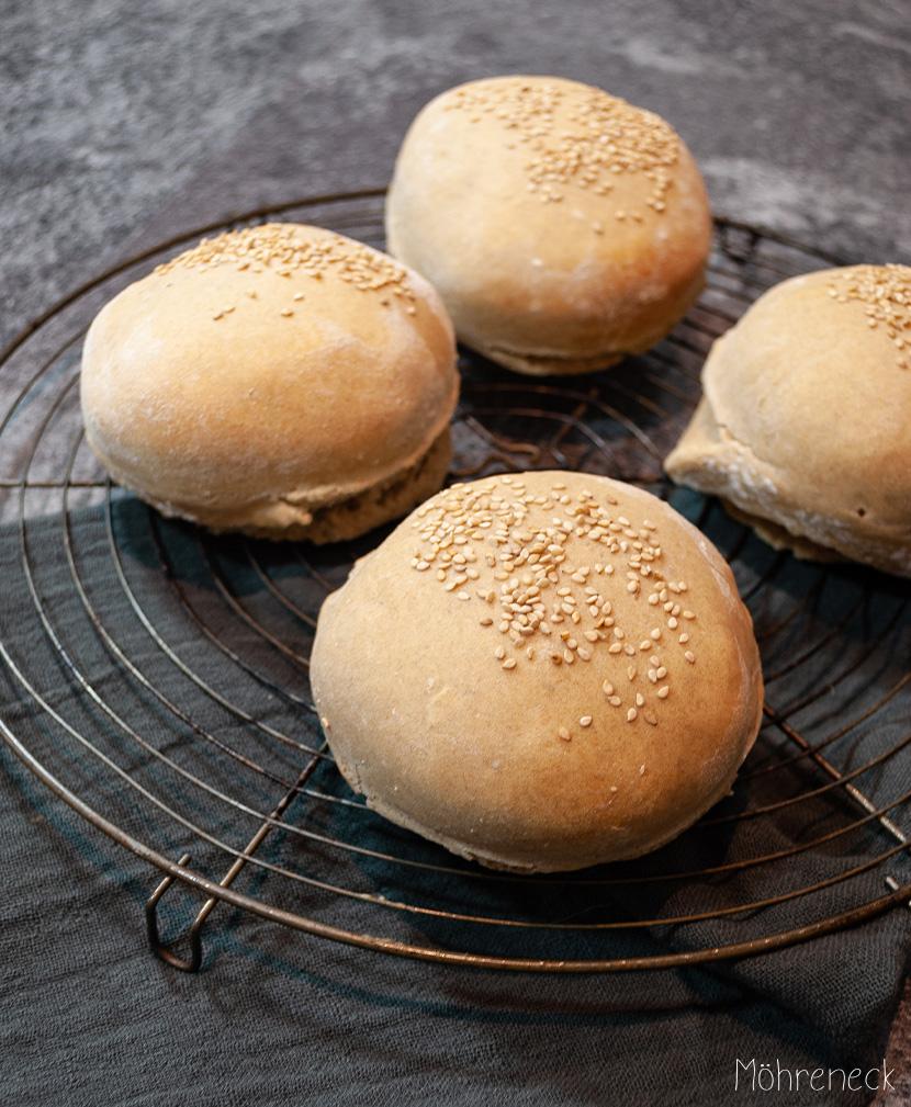 Dinkel-Burger-Brötchen mit Sauerteig