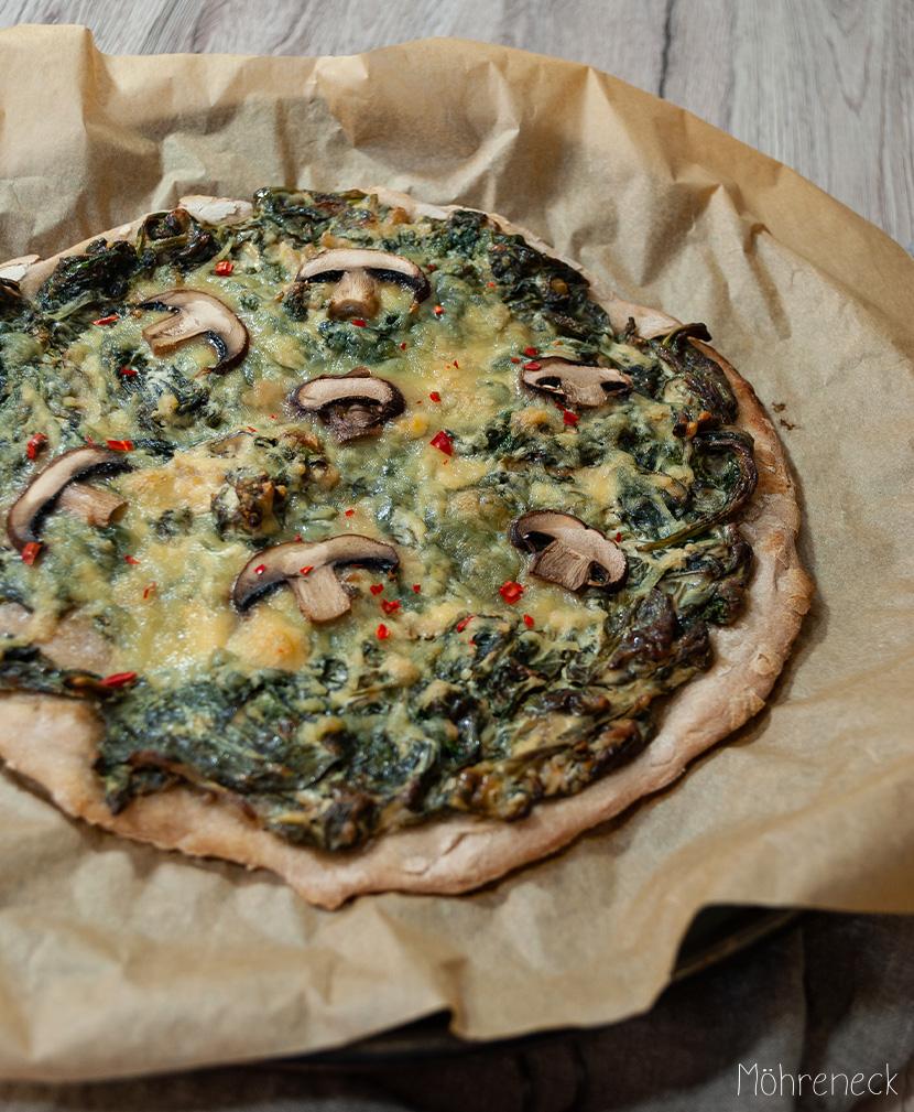 Sauerteigpizza mit Spinat