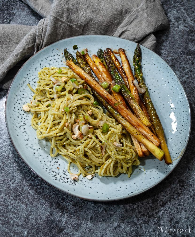 karamellisierter Spargel mit Pesto-Pasta