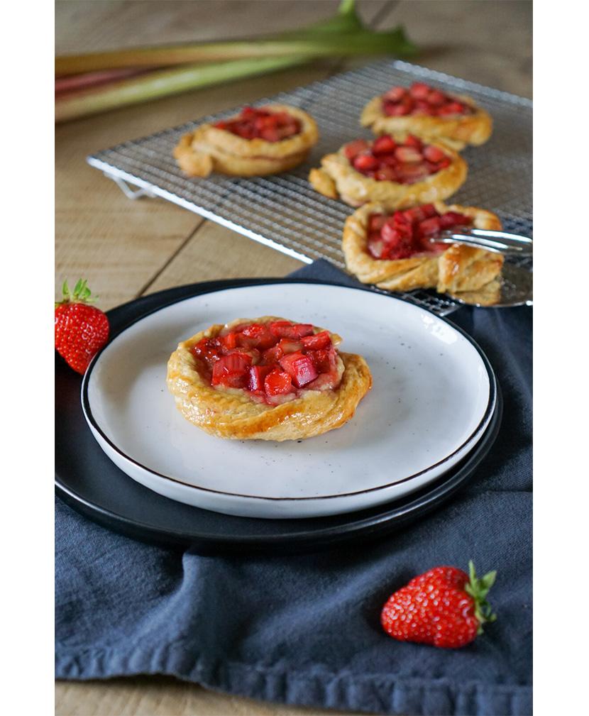 Erdbeer-Rhabarber-Plunder von Schlemmerkatze