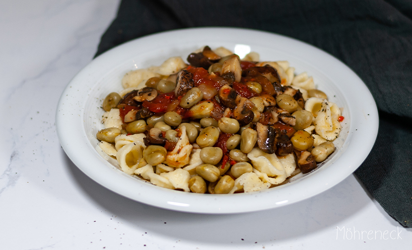 Pasta mit Bohnen und Champignons